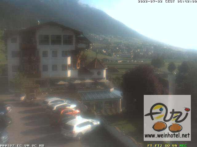 Livebild Fulpmes nach Nordern - präsentiert vom Hotel Atzinger