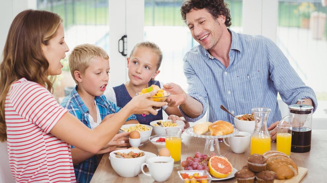 Frühstück mit Familie